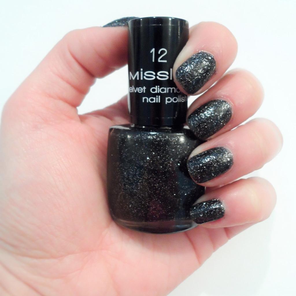 Misslyn Velvet Diamond nail polish_glossy