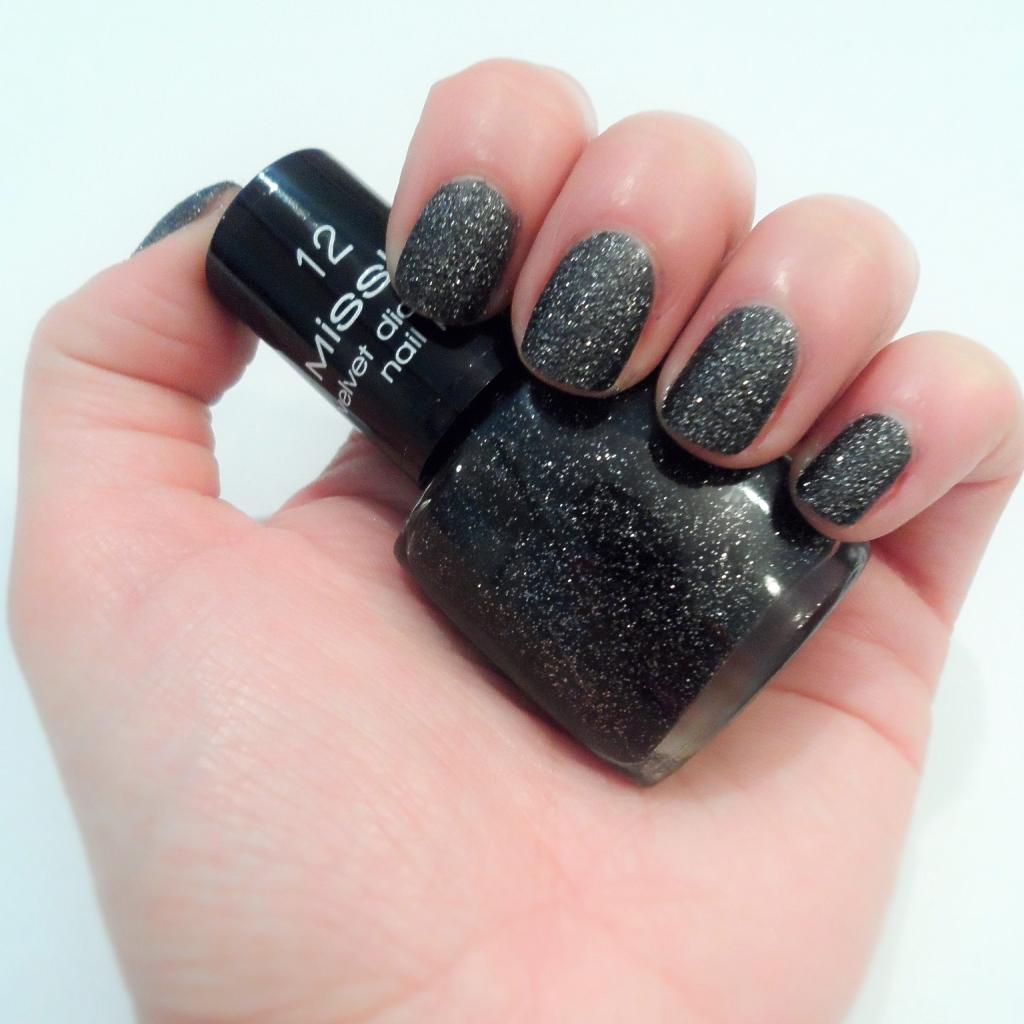 Misslyn Velvet Diamond nail polish_matte