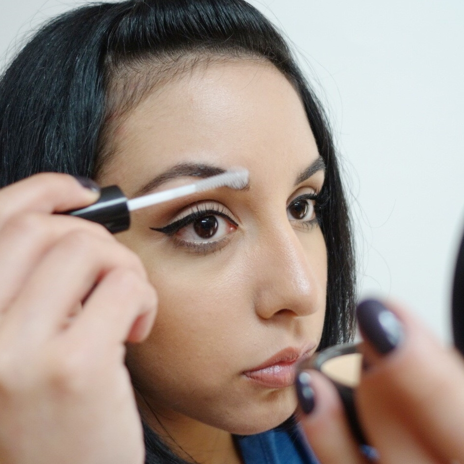 How to fill in sparse brows_gel 2